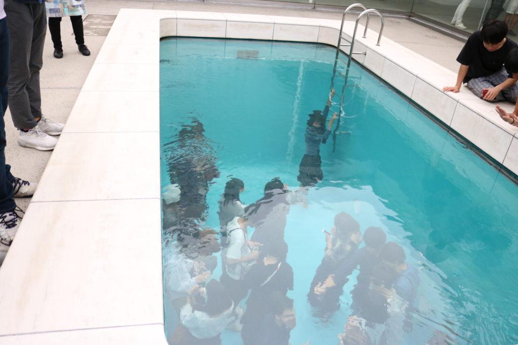 21世紀美術館のプール